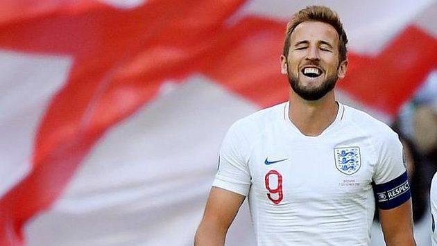 Harry Kane povede Anglii i v říjnové kvalifikaci proti českým fotbalistům v Edenu.