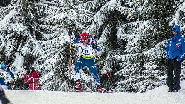 Ondřej Hošek při IBU Cupu v Obertilliachu.