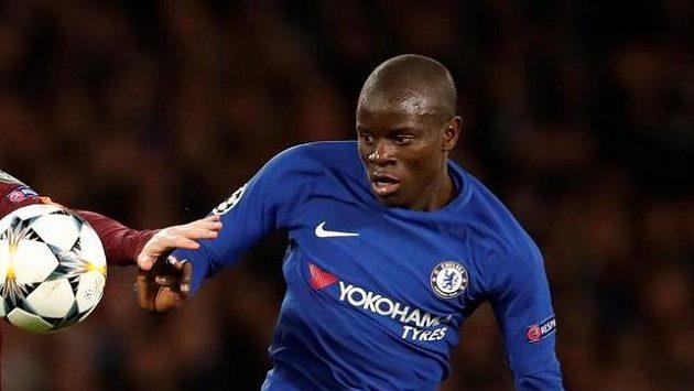 Záložník Chelsea N'Golo Kanté.