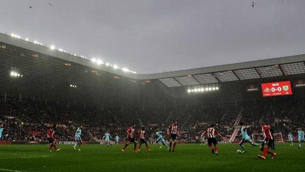Tady hraje za normálních okolností hrdina útočník Duncan Watmore. Na snímku je stadión Sunderlandu - Stadium of Light.