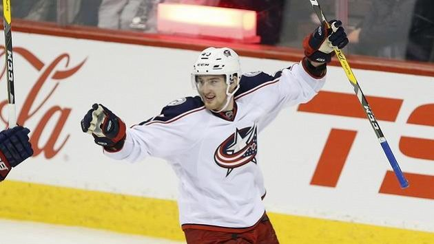 Lukáš Sedlák oslavuje svůj gól proti Winnipegu.