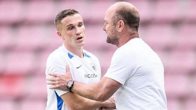 Tomáš Malinský ze Slovanu Liberec a trenér Pavel Hoftych.