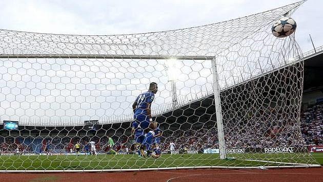Neuznaný gól Milana Baroše z Baníku.