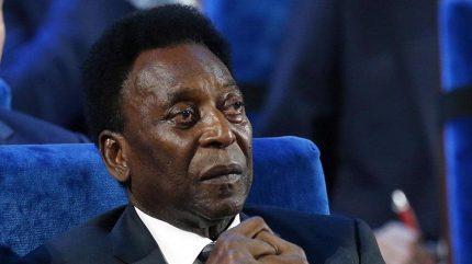Pelé se musel vrátit na jednotku intenzivní péče