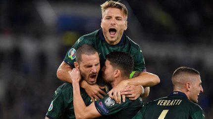 Itálie v zeleném slaví postup na EURO 2020, Španělé český rekord nevyrovnali