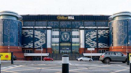 Skotská fotbalová liga bude přerušena minimálně do 10. června