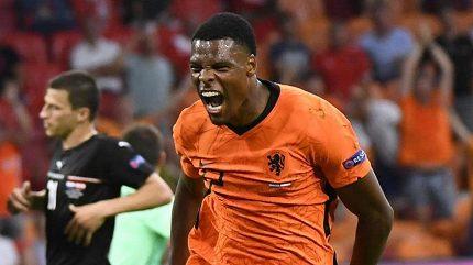Oranje v euforii! Skolili i Rakušany a osmifinále mají v kapse