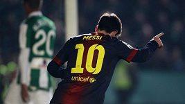 Messi střílí 87. a 88. gól v roce 2012