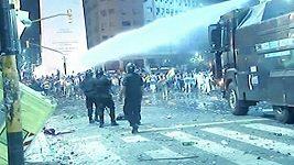 Fanoušci klubu Boca Juniors se porvali s policií