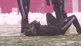 Zraněný Javi Martínez na tréninku Bayernu Mnichov