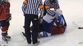Bitka malých hokejistů v Rusku.