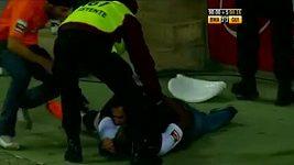 Baldé oslavoval gól s fanoušky.