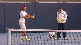 Rafael Nadal po zranění opět trénuje