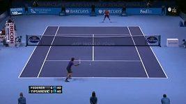 Vítězný úder Rogera Federera.