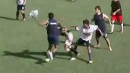 Bitka fotbalových mládežníků v Paraguyai