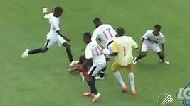 Třináctiletí brazilští fotbalisté vyprovokovali na hřišti hromadnou bitku