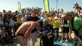 Lance Armstrong vyhrál triatlon