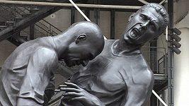 V Paříži vystavili sochu Zidana
