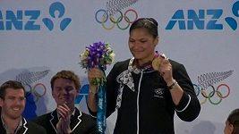 Valerie Adamsová si převzala zlatou olympijskou medaili