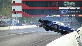 Nehoda při závodu dragsterů