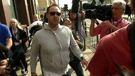 Ashley Gill-Webb vypovídal v pondělí u soudu, pak utekl před novináři