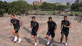 Fotbalisté Chelsea běží Filadelfií jako Rocky