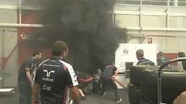 Požár v garáži týmu Williams