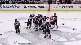 Flyers vs Penguins rvačka