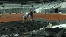 Davis Cup - příprava kurtu