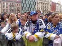 Fanoušci Komety podporovali svůj klub v centru města u velkoplošných obrazovek