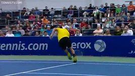 Vítězný úder amerického tenisty Jacka Socka