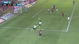 Mexický brankář Oswaldo Sánchez inkasuje laciný gól