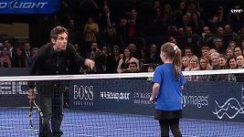 Devítiletá dívka si po boku Del Potra zahrála ve čtyřhře proti Nadalovi se Stillerem.