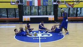 Harlem Shake basketbalistů USK Praha