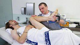 Jiráčka si vzal pod křídla zkušený lékař Mario Piazza