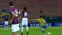 Fantastický gól Fidela Miňa v paraguayské lize.