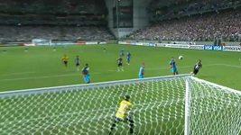 Nádherný gól v podání Ronaldinha.