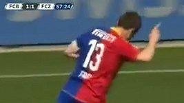 Alexander Frei se rozloučil s fotbalovou kariérou nádherným gólem.