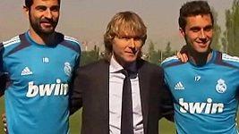 Pavel Nedvěd navštívil trénink fotbalistů Realu Madrid