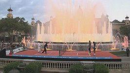 Nadal s Berdychem a dalšími před fontánou v Barceloně