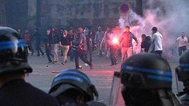 Fanoušci PSG se při oslavách poprali s policií