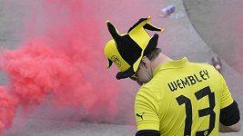 Bitka fanoušků Bayernu a Dortmundu v Londýně