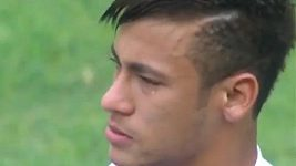 Loučení hvězdného útočníka Neymara se Santosem.