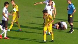 Ukrajinský hráč dostal dvě žluté karty během pěti vteřin.
