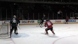 Michael Frolík a Michal Rozsíval po prvním finále Stanley Cupu