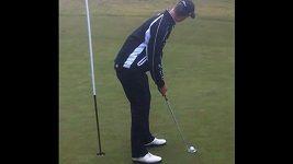 Neskutečný putt amatérského golfisty