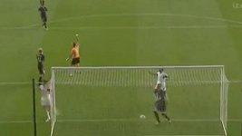 Bony vstřelil v prvním zápase za Swansea dva góly