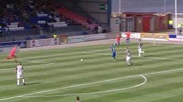 Před Doranovým gólem vázla mezi hráči St. Mirren lepší kooperace.