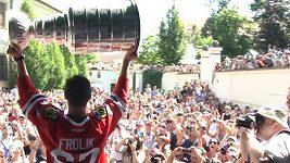 Michael Frolík přivezl Stanley Cup do Kladna