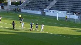 Podezřelé penalty v utkání prvního předkola Evropské ligy.